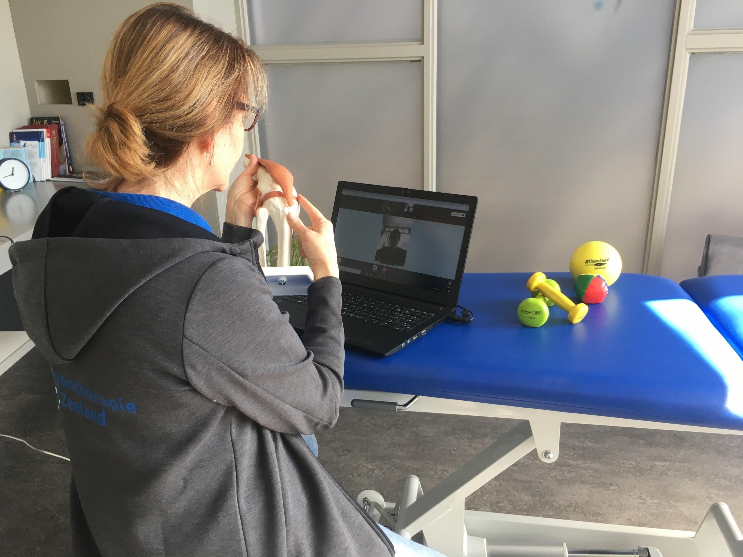 Fysiotherapie op afstand door middel van videobellen
